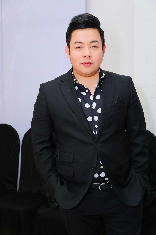 Mr. Dam va Quang Le lam hoa, cung nhau ngoi 'ghe nong' hinh anh 4