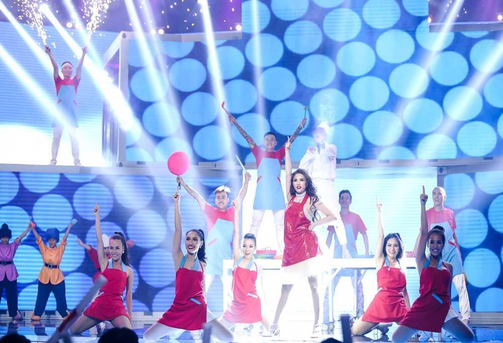 Bao Thy - Bao Tram mang ky uc tuoi thanh xuan len san khau 'The remix' hinh anh 6