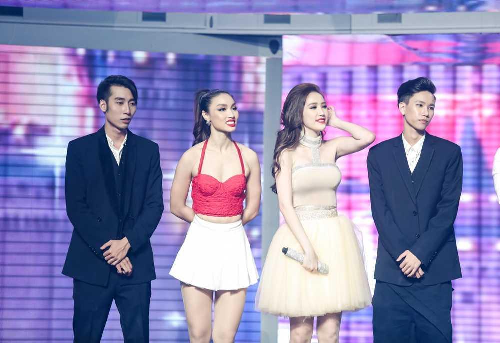 Bao Thy - Bao Tram mang ky uc tuoi thanh xuan len san khau 'The remix' hinh anh 7