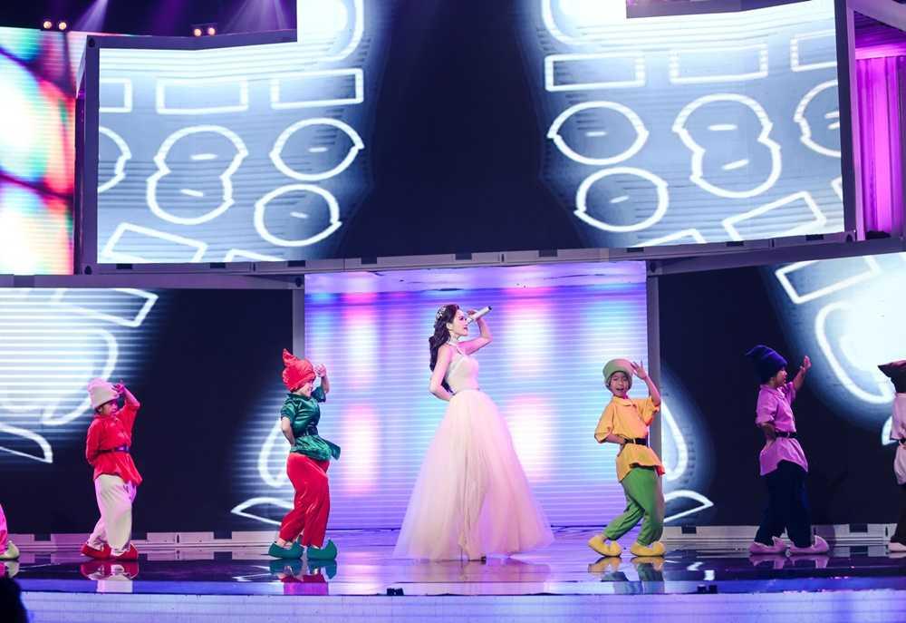 Bao Thy - Bao Tram mang ky uc tuoi thanh xuan len san khau 'The remix' hinh anh 3
