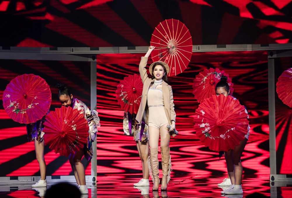 Bao Thy - Bao Tram mang ky uc tuoi thanh xuan len san khau 'The remix' hinh anh 4