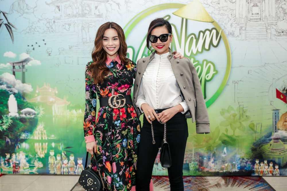 Ho Ngoc Ha va Thanh Hang 'tay trong tay' noi bat giua dan sao hinh anh 1