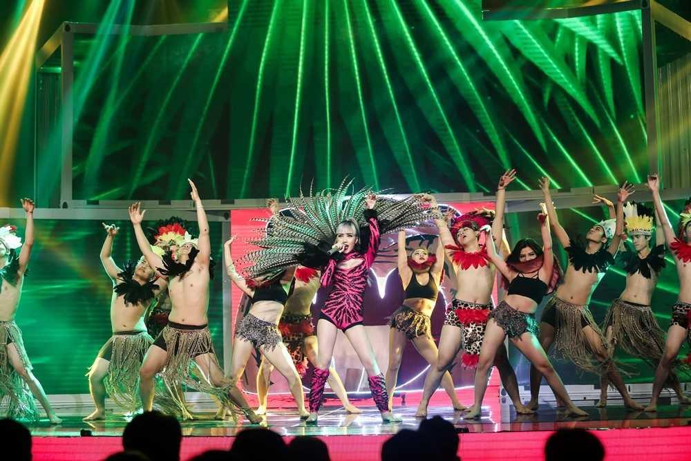 Bao Thy - Bao Tram mang ky uc tuoi thanh xuan len san khau 'The remix' hinh anh 9