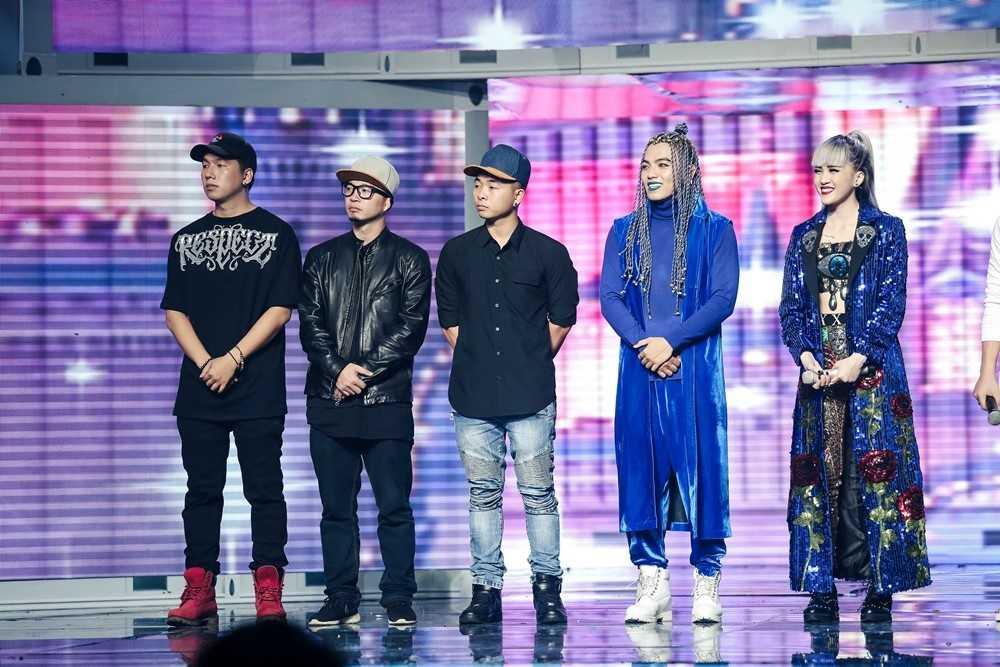 Bao Thy - Bao Tram mang ky uc tuoi thanh xuan len san khau 'The remix' hinh anh 12