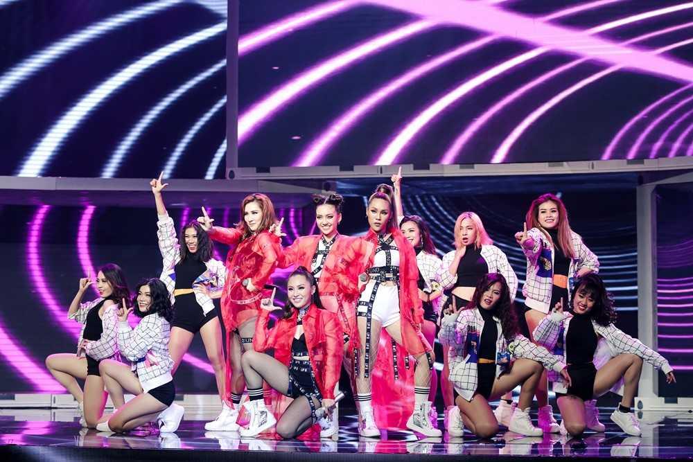 The Remix: 'Ga cung' Dong Nhi 'bai tran' phut chot truoc Yanbi – Yen Le hinh anh 6