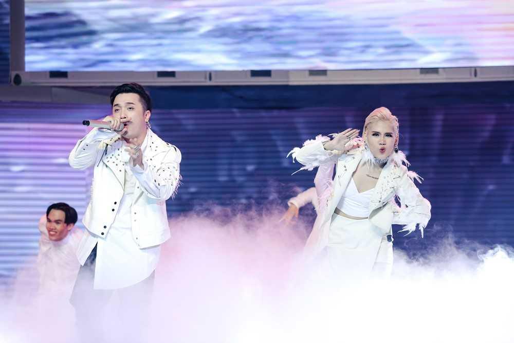 The Remix: 'Ga cung' Dong Nhi 'bai tran' phut chot truoc Yanbi – Yen Le hinh anh 11