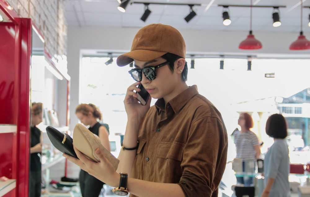 Cong Vinh ti man chon qua 8/3 cho ba xa Thuy Tien hinh anh 6