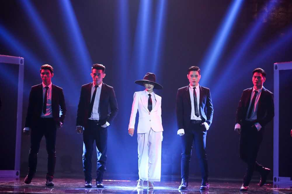 Bao Thy, Yen Trang va nhung chuyen chua ke tai Remix new generation hinh anh 3