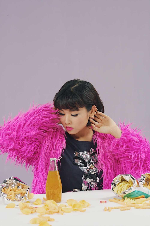 Hau 'Sing my song', Truong Thao Nhi ra MV dam mau sac tinh yeu hinh anh 5