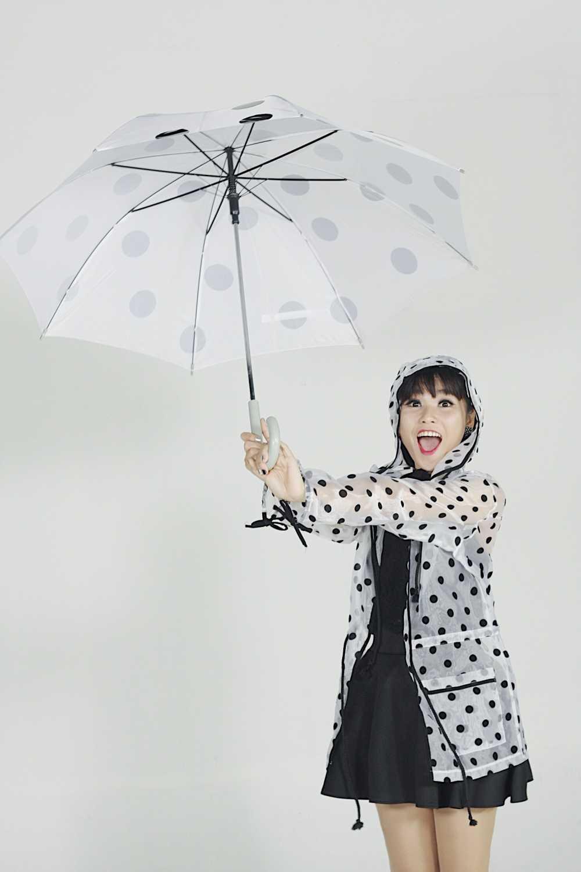 Hau 'Sing my song', Truong Thao Nhi ra MV dam mau sac tinh yeu hinh anh 1