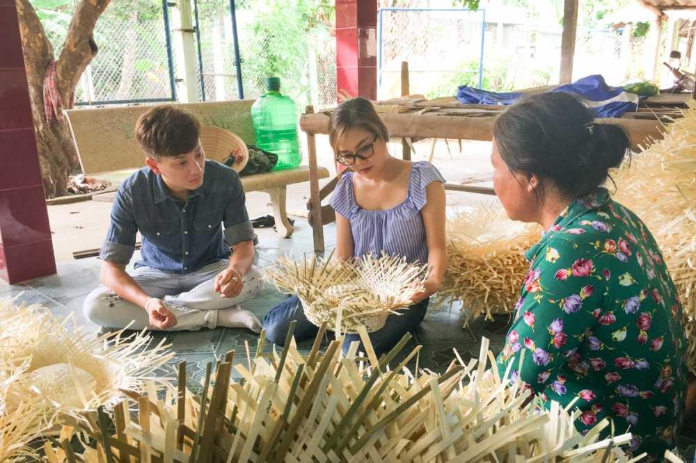 Thanh Ngoc dan Ba Thang ve tham que huong Tien Giang hinh anh 3
