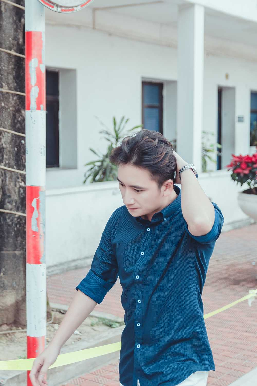 Phan Manh Quynh duoc fan nhi Hai Phong vay quanh hinh anh 7
