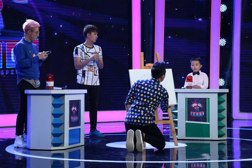 Ngo Kien Huy doi 'tat' Thanh Duy Idol ngay tren san khau hinh anh 13