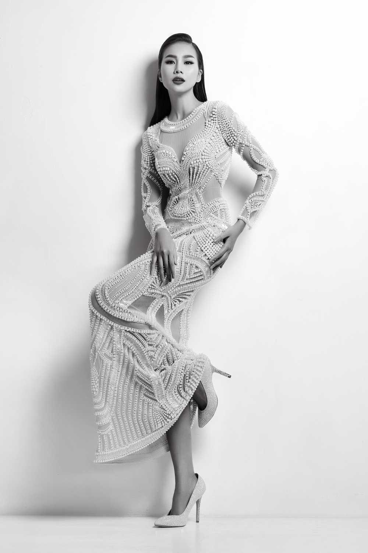 Nguyen Cong Tri moi Thanh Hang lam vedette tai Tokyo fashion week 2017 hinh anh 1
