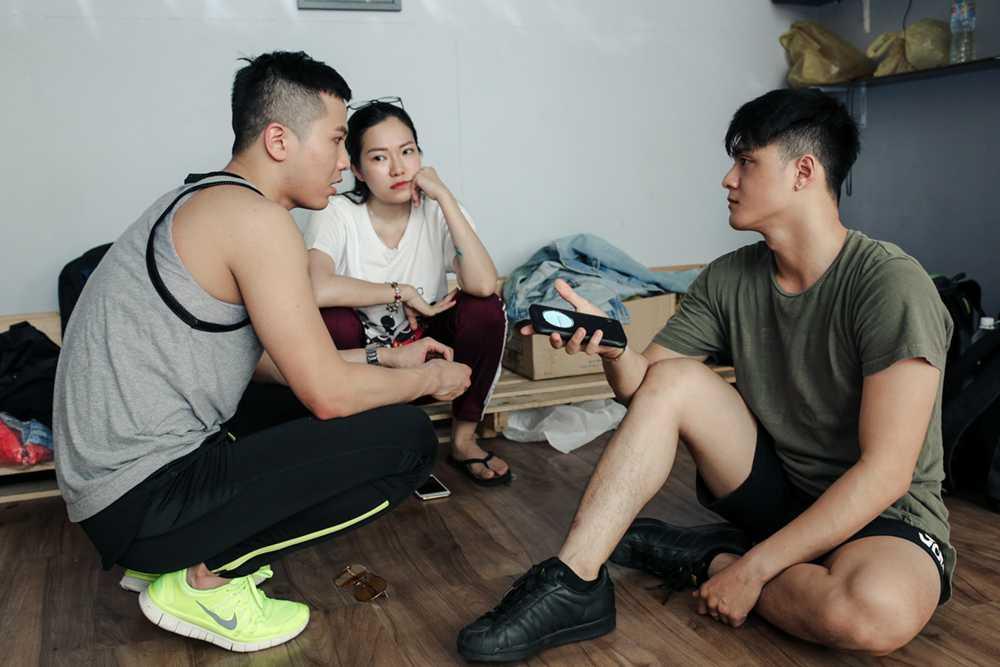 Lam Vinh Hai lan dau xuat hien cung Ly Phuong Chau sau scandal on ao hinh anh 3