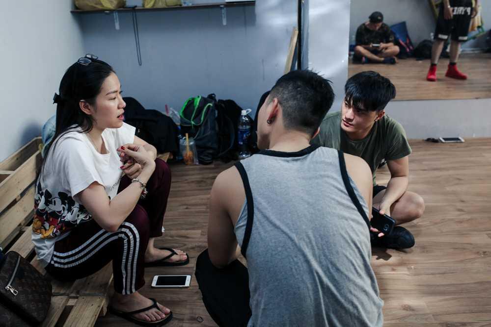 Lam Vinh Hai lan dau xuat hien cung Ly Phuong Chau sau scandal on ao hinh anh 4