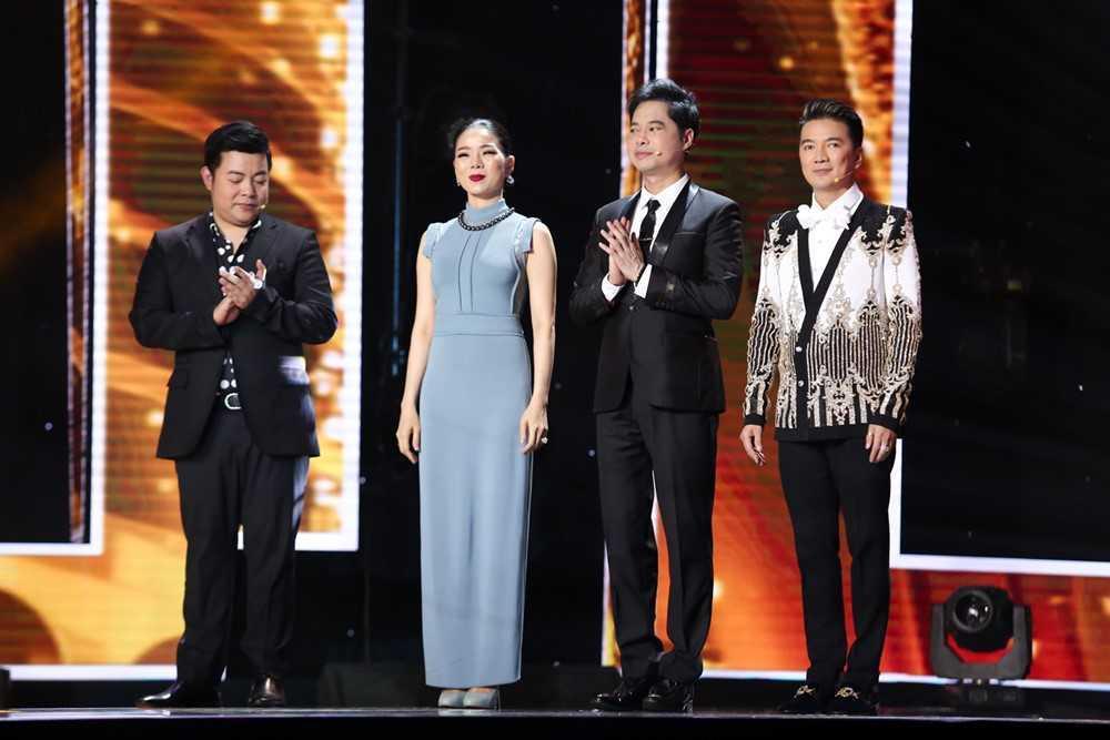Dam Vinh Hung 'hai mat' voi Quang Le tai 'Than tuong bolero' hinh anh 1