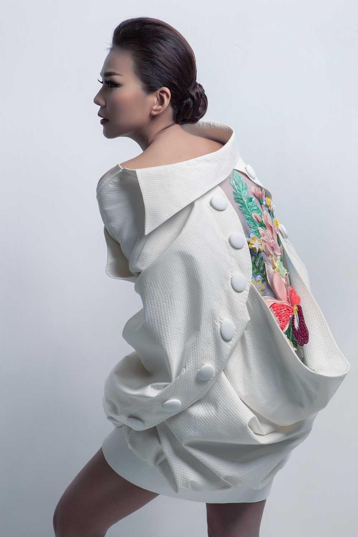 Nguyen Cong Tri mang bo suu tap 'Em hoa' den Tokyo Fashion Week 2017 hinh anh 4
