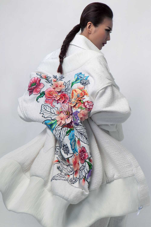 Nguyen Cong Tri mang bo suu tap 'Em hoa' den Tokyo Fashion Week 2017 hinh anh 5