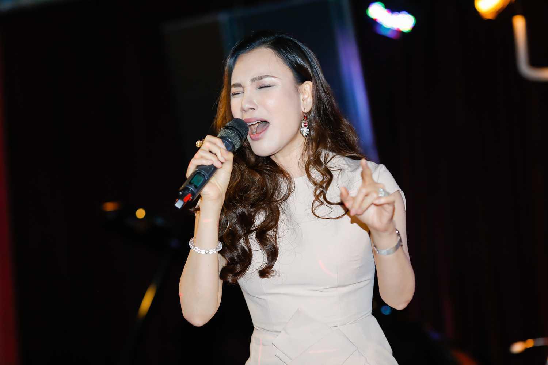 Ho Quynh Huong tung lien tuc tu choi giup do hoc tro vi qua ban hinh anh 4