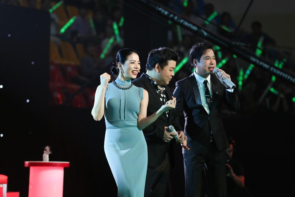 Dam Vinh Hung chi thang mat, 'mang' Quang Le khong thuong tiec hinh anh 2