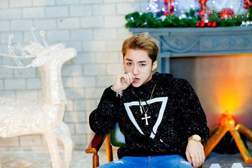 Khong chi hop fan, Son Tung M-TP con 'khuay dao' tai 'Seoul fashion week' hinh anh 4
