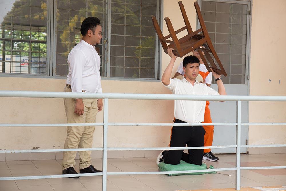 Tran Thanh bat ngo xuat hien trong MV moi cua Phan Manh Quynh hinh anh 2