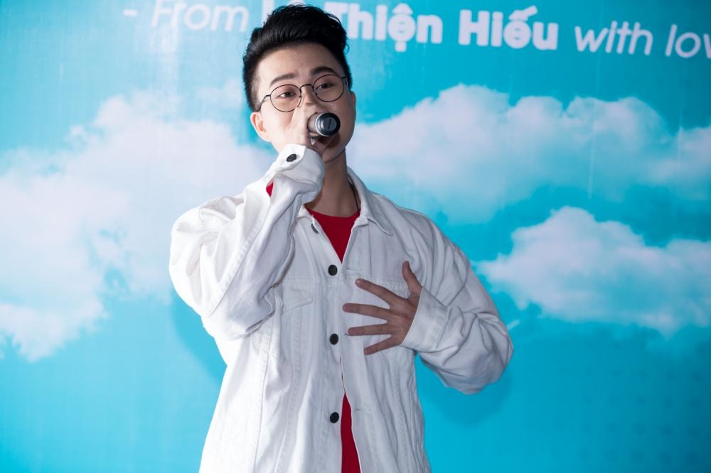 Le Thien Hieu 'Ong ba anh' tiet lo da co nguoi thuong hinh anh 7