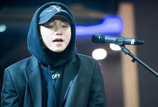 Son Tung M-TP miet mai tap luyen cho buoi hop fan tai Han Quoc hinh anh 3