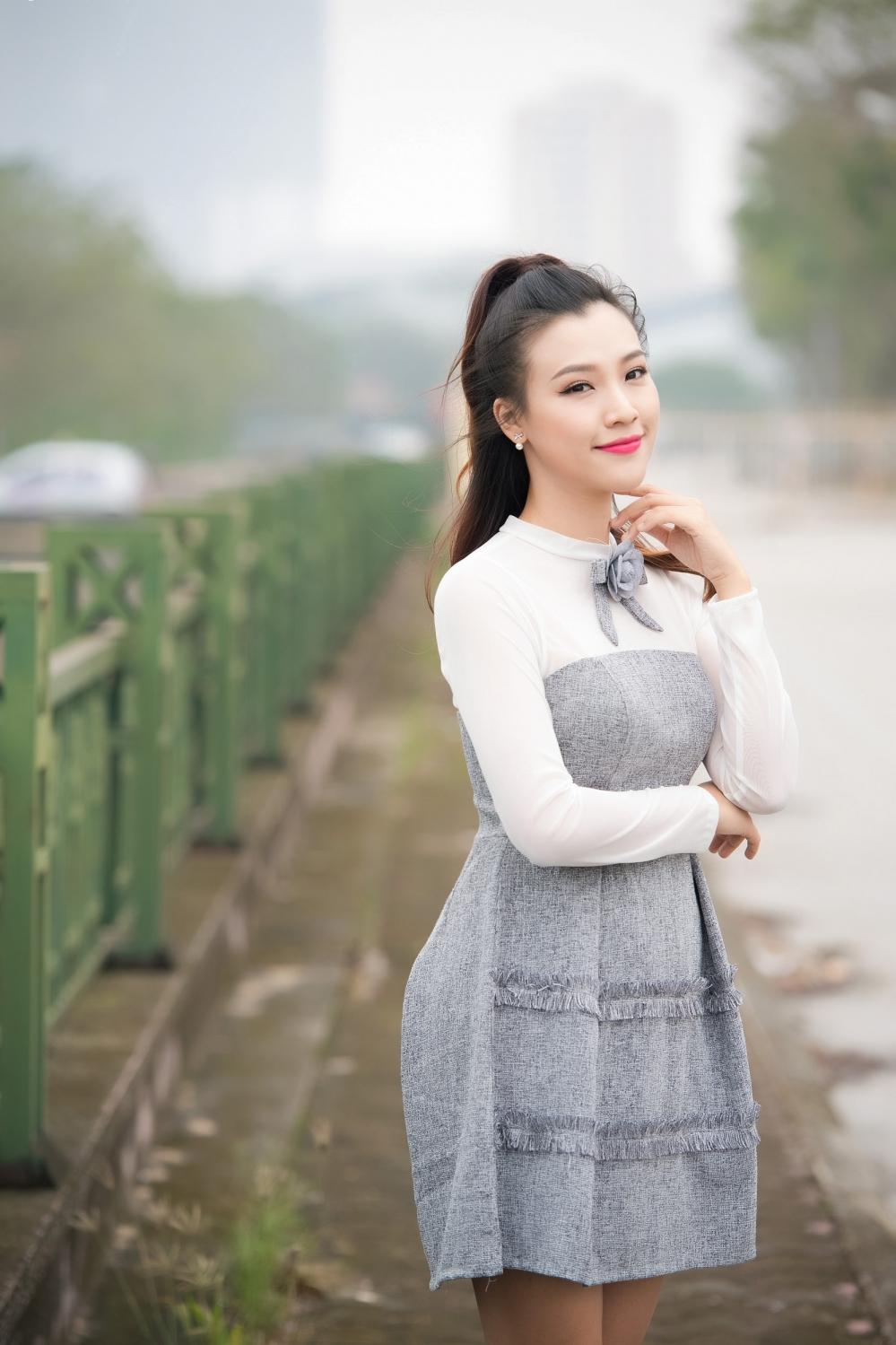 Hoang Oanh xinh dep khi lam MC 'Vietnam Idol Kids 2017' hinh anh 1