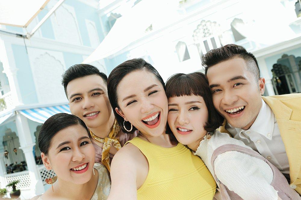 Toc Tien la huan luyen vien cung chieu hoc tro nhat tai 'The Voice 2017' hinh anh 2
