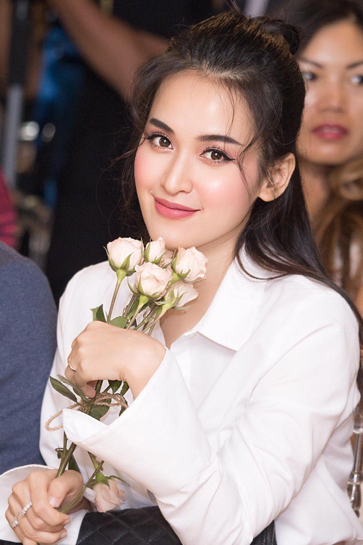 Angela Phuong Trinh tro lai song truyen hinh sau 9 nam hinh anh 4