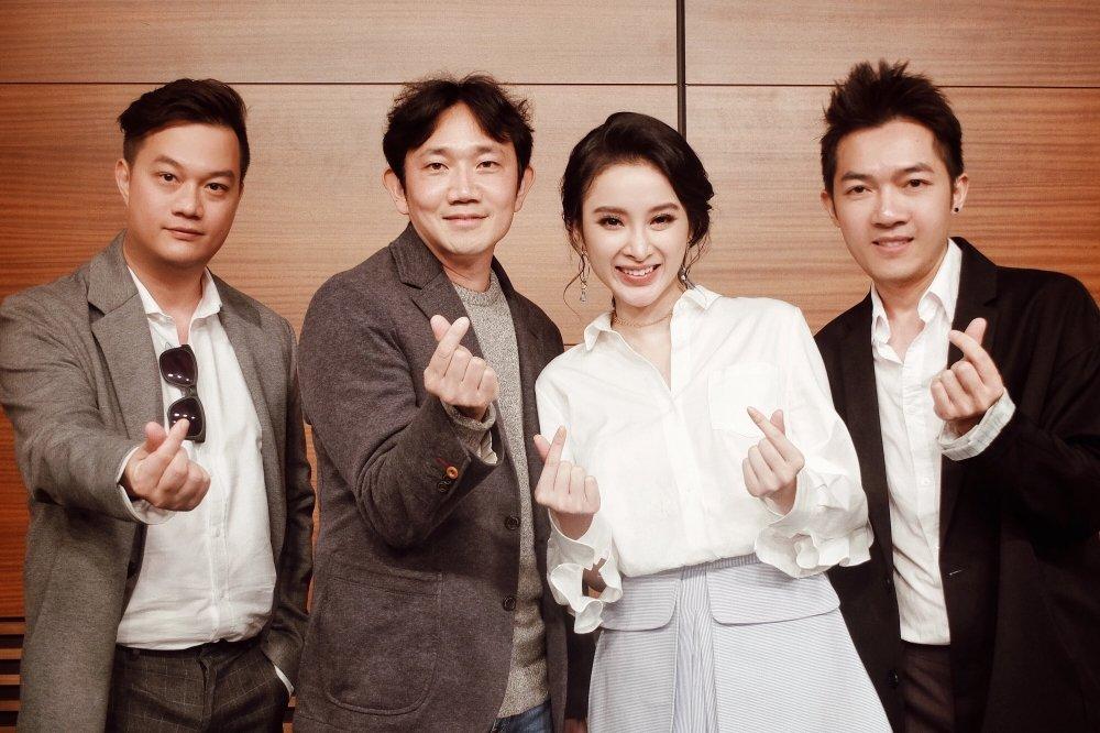 Angela Phuong Trinh xinh dep rang ro khi lam viec tai Han Quoc hinh anh 3