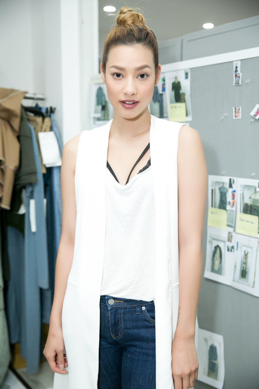 Lilly Nguyen mo man show dien cua nha thiet ke Le Ha hinh anh 1