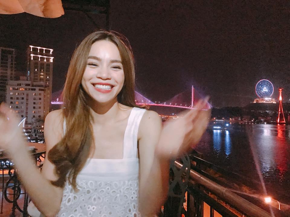 Hau scandal, Minh Hang rang ro di dien - Ha Ho luyen yoga tai nha hinh anh 10