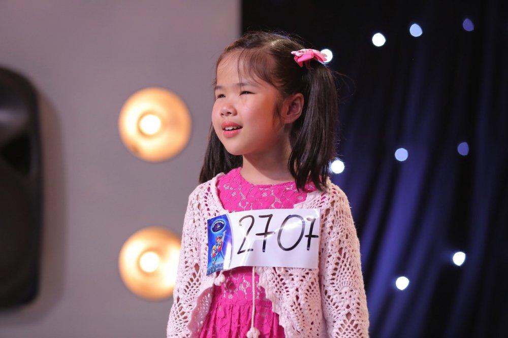 Vietnam Idol Kids 2017: Van Mai Huong nghen ngao truoc co be khiem thi hinh anh 2
