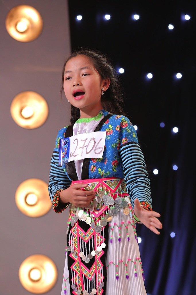 Vietnam Idol Kids 2017: Van Mai Huong nghen ngao truoc co be khiem thi hinh anh 7