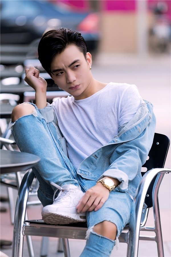 Bi to chanh voi fan, Soobin Hoang Son len tieng hinh anh 1