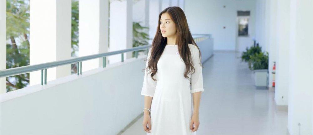 Thich thu voi hoi uc tuoi hoc tro trong MV moi cua Hoang Yen Chibi hinh anh 1