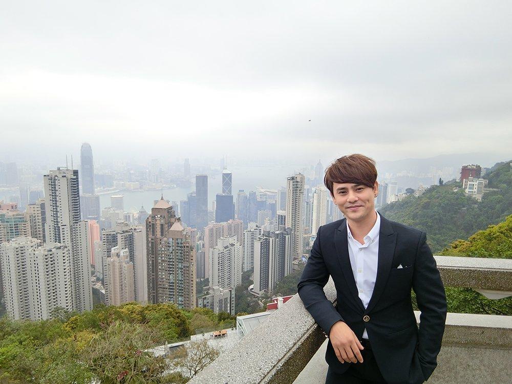 Ung Dai Ve nho dao dien quay phim cho Luu Duc Hoa thuc hien MV moi hinh anh 2