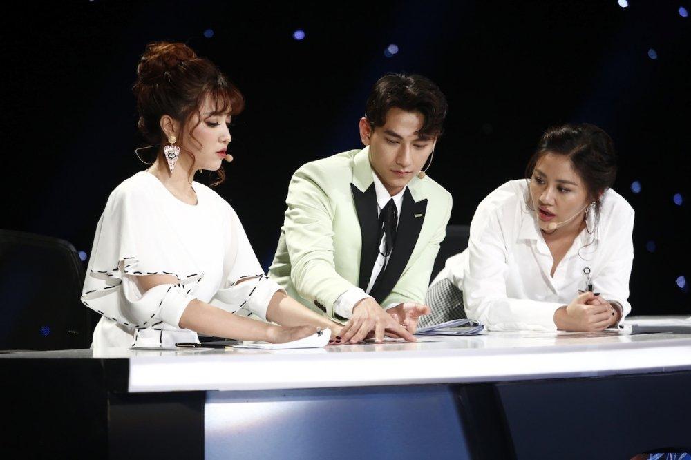 Truc tiep Vietnam Idol Kids 2017 tap 3: Co be khiem thi khien Isaac lang nguoi hinh anh 3