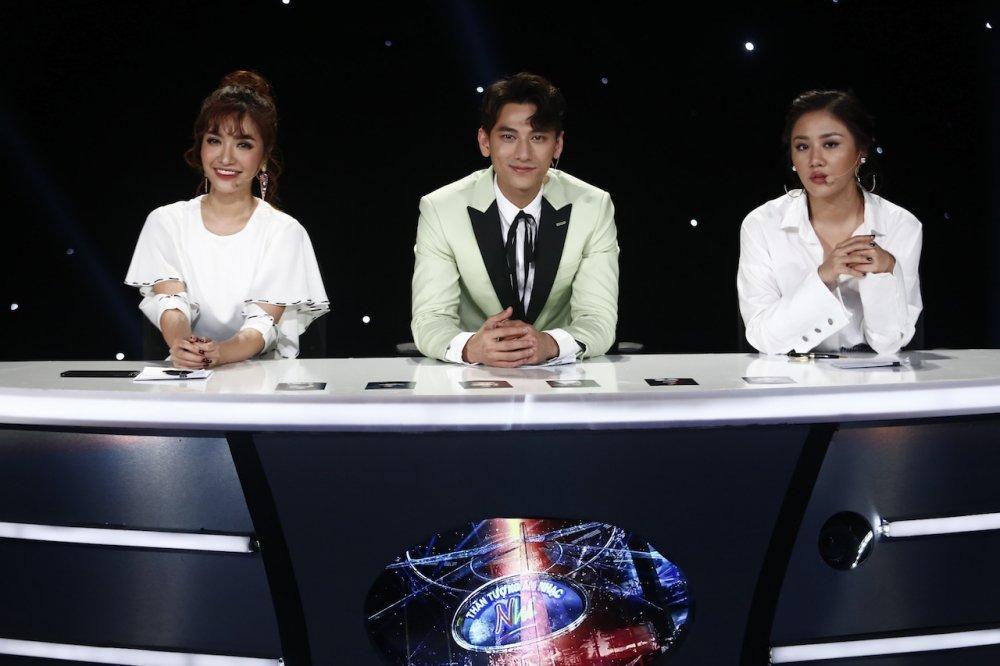 Truc tiep Vietnam Idol Kids 2017 tap 3: Co be khiem thi khien Isaac lang nguoi hinh anh 1