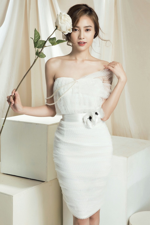 Chi Pu thay the vai phan dien cua Angela Phuong Trinh hinh anh 3