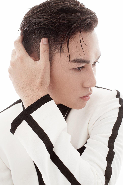 Hoc tro Thu Minh gay sot voi san pham dau tien hinh anh 4