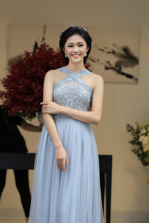 A hau Thanh Tu khoe sac cung dien vien 'Em chua 18' hinh anh 4