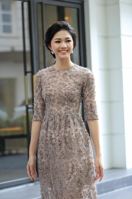 A hau Thanh Tu khoe sac cung dien vien 'Em chua 18' hinh anh 3