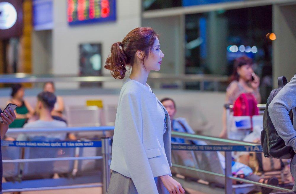 Diem My 9x le bong tai san bay sang Han Quoc du Lien hoan phim hinh anh 3