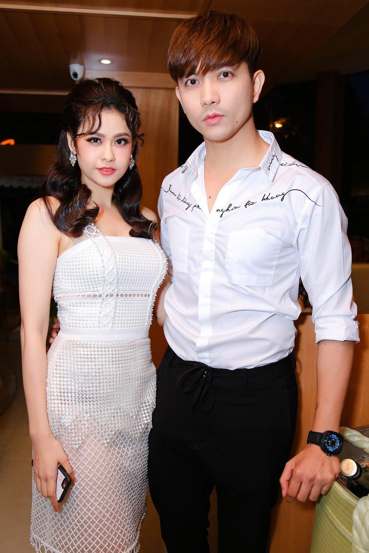 Nhung chuyen tinh thi phi nhat showbiz Viet 2017 hinh anh 1