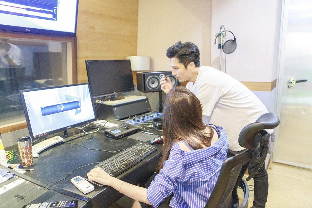 Hari Won sang Han Quoc gap go nha san xuat am nhac cua Sistar hinh anh 4