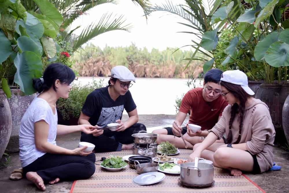 Hoa Minzy ve Ben Tre bat ca cung MC Quang Bao, Hai Trieu hinh anh 6